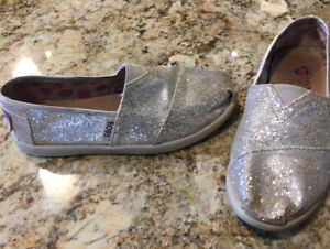 Bobs Silver Glitter Slip Ons - Size Youth 12