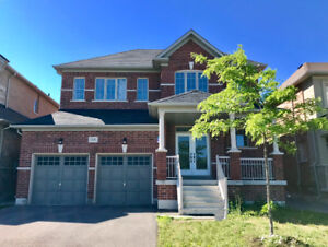 3000 sq ft 4 bedrooms for lease (Lesile/ St John Sideroad)
