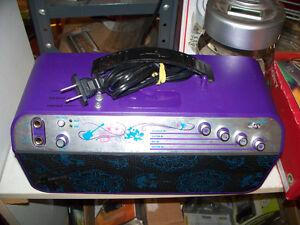 Hanna Montana Amplified Speaker System for Guitar,Mic,Mp3