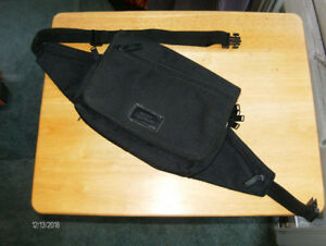 PURSE  /  POUCH--(N E W -  CONDiTiON)