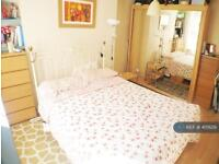 3 bedroom flat in Islington, London, N7 (3 bed)