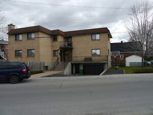 N.D.G Lower 6 1/2 with basement/yard and garage for rent