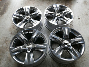 "19"" Genuine Toyota Alloy Rims for Highlander, Venza, Sienna....."