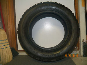 One Pacemark Snow Tire.