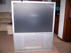 OLD PROJECTION AND BIG SCREEN TV PICKUP AND DISPOSAL