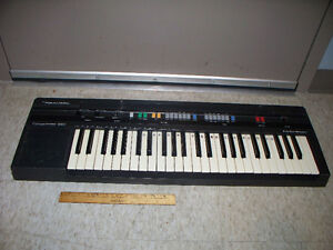 49 Key Realistic Concertmate 660 Keyboard with AC Adapter