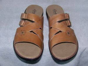 BRAND NEW CLARKS BENDABLES SANDALS 12W