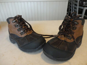 Brand New Boys Size 8 Sonoma Brown Ankle Boots - Never Worn