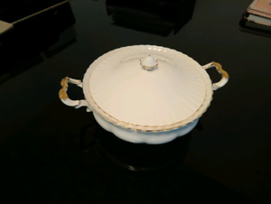 Royal Albert Val D'Or Soup Tureen / Dish - Gold Plated