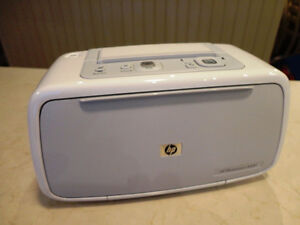 "HP Photosmart A440 Camera & 4x6"" Format Printer Dock - Like New"