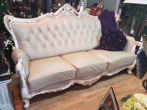 Très beau divan en cuire tan