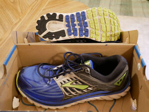 Brooks running shoes - Almost New!!!