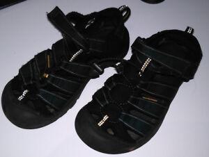 Keens sandals, size ~4