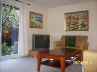 3BDR Townhouse in Orleans for Rent- Available immediatly...!