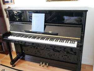 Niemeyer Upright Piano