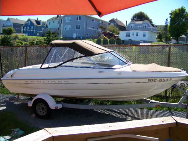 Used 1999 Bayliner 1750 capri