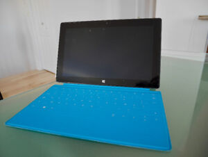 Tablette Microsoft Surface RT 32 Go + clavier Touch cover