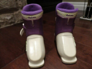"Reichle RE5 Youth Ski Boots (will fit a foot between 6.75 -7"") Kitchener / Waterloo Kitchener Area image 2"