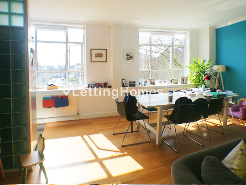 SPECTACULAR - 2DOUBLE BEDROOM - 1 BATHROOM - HUGHE RECEPTION & semi-open kitchen FLAT - big windows