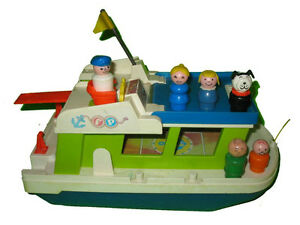 Fisher Price #985 Play Family Houseboat