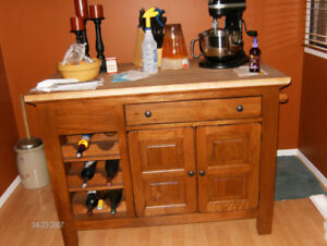 Kitchen Island **Broyhill Attic Heirloom Collection For Sale