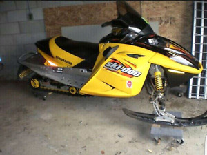 Blown Skidoo Mxz 800