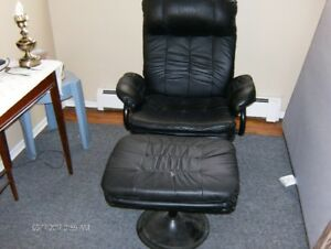 GENUINE LEATHER RECLINER CHAIR WITH LEATHER FOOT STOOL