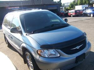 2003 Chrysler Town & Country Limited Minivan, Van