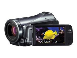 Canon VIXIA HF M400 Full HD Camcorder with HD CMOS Pro Dual SDXC
