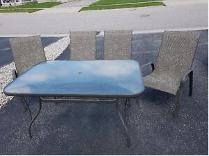 Outdoor Patio Dining Table with 4 Chairs