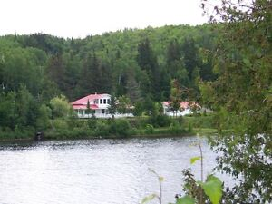 2 STORY RIVERHOUSE ON THE TOBIQUE  RIVER - NB