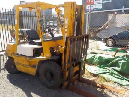 Toyota LP Gas Powered 2000kg Forklift Model: 423F-25
