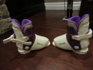 "Reichle RE5 Youth Ski Boots (will fit a foot between 6.75 -7"")"