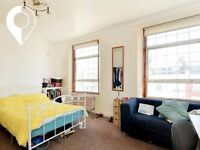 SPACIOUS SPLIT LEVEL 4 BEDROOM, SEPARATE KITCHEN with BREAKFAST BAR and GREAT LOCATION for STUDENTS