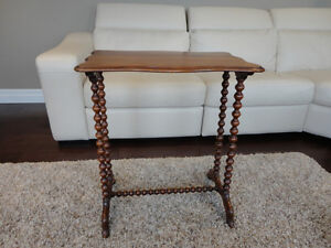 Antique Early 1900's Spool Leg Side Table - Lovely Patina Kitchener / Waterloo Kitchener Area image 2