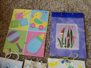 Assortment of 9 Gift bags for sale ....all for $3.00 Kitchener / Waterloo Kitchener Area image 2