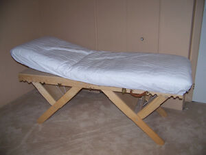 MASSAGE TABLE AND FUTON
