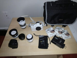Nikon V1 White (4lens,flash,adapter,bag)