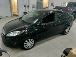 2013 Ford Fiesta SE. Automatic $5500