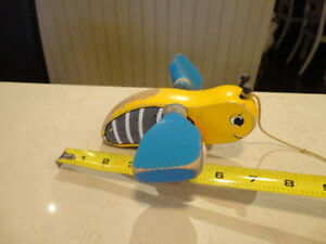 Vintage 1950's Bumble Bee w/ Blue Wings Pull Toy - Works Great Kitchener / Waterloo Kitchener Area image 4