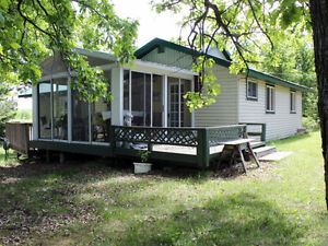 3 Br with 2 Br guest cabin-Lake of The Woods
