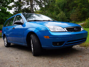 2007 Ford Focus SE Wagon manual AC Hitch Heated seats Low miles