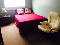 Furnished rooms on the main floor