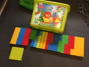 Lot de Mega Blocks Junior