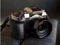 Panasonic G7 4K DSLR Camera with 14-45mm Lens 2x Batteries