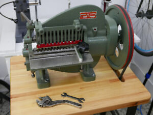 Leather Strap Cutting Machine - Découpage du Cuir