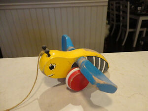 Vintage 1950's Bumble Bee w/ Blue Wings Pull Toy - Works Great Kitchener / Waterloo Kitchener Area image 1
