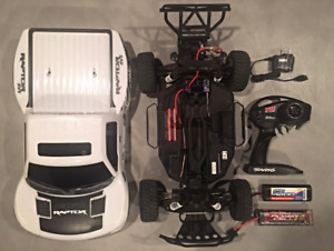 TRAXXAS SLASH 2WD RC with extras great condition hardly used!!