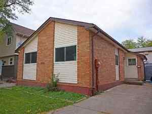 house for rent East End in villages  see 6to7 pm  every day