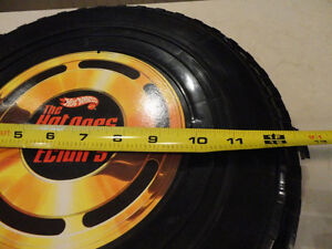 """Vintage Hot Wheels """"The Hot Ones"""" Tire carrying Case w/Some Cars Kitchener / Waterloo Kitchener Area image 6"""